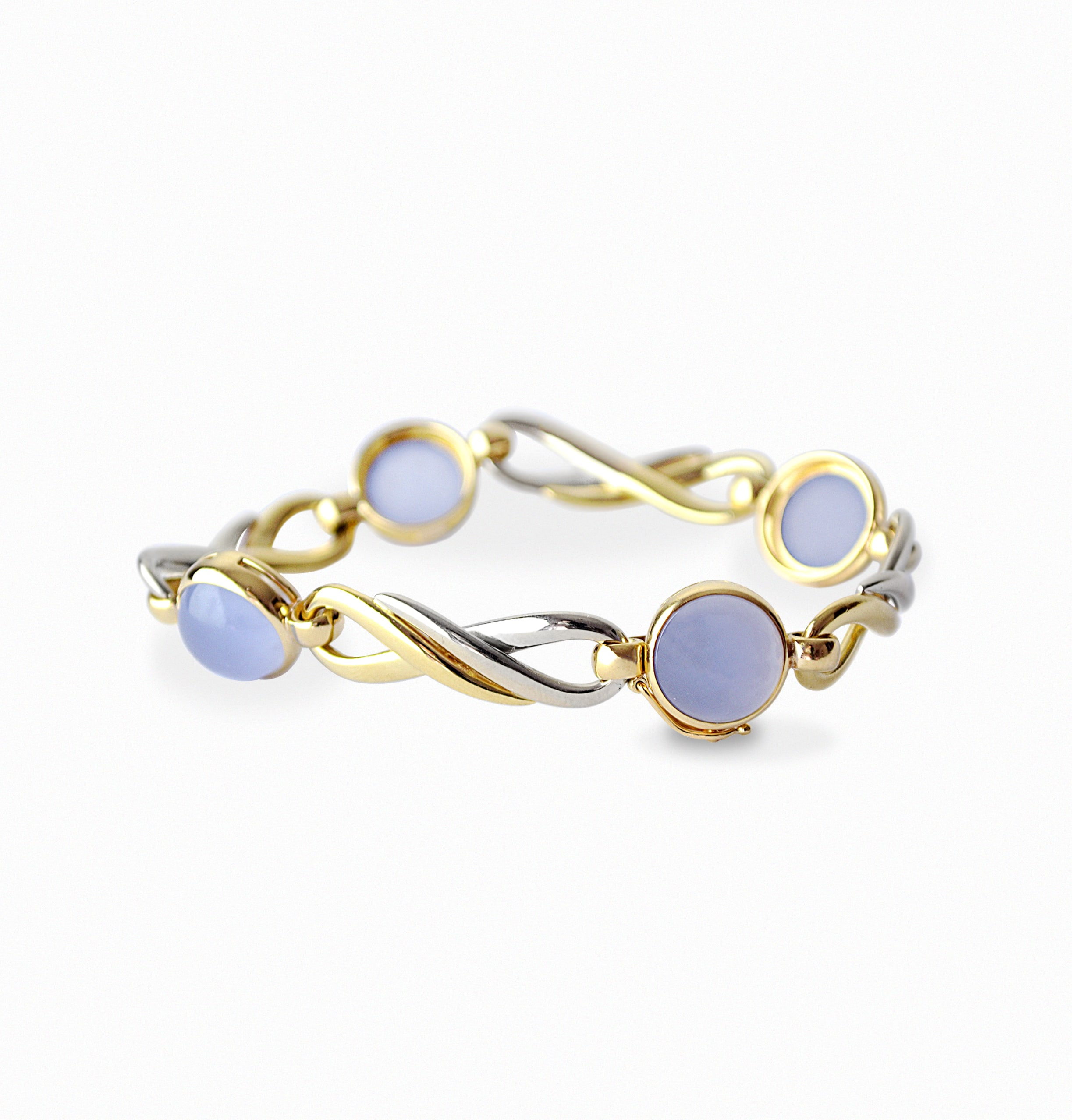 Gold joint bracelet with blue Agate caboucon cutted